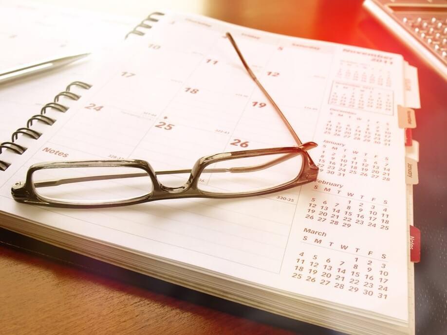 Ein Bild mit einem vollen Terminkalender.
