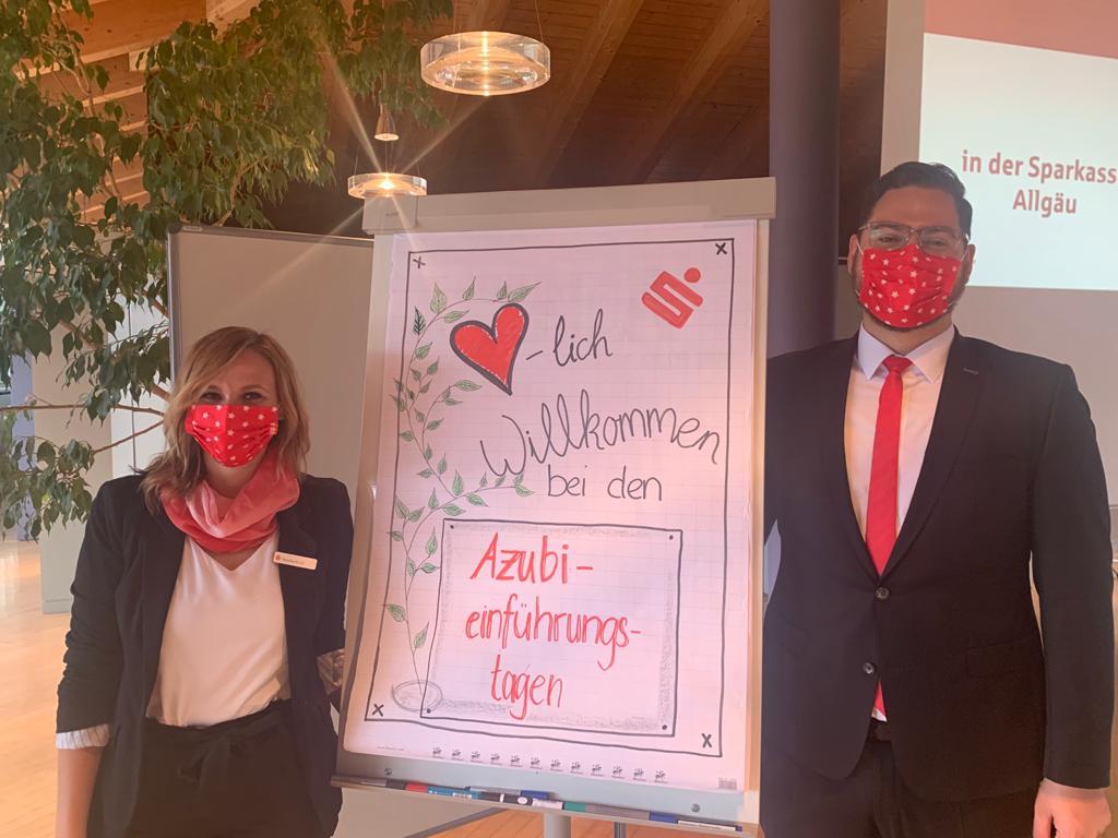 Ein herzliches Willkommen der beiden Ausbilder Natalie Kohl und Andreas Lechleiter