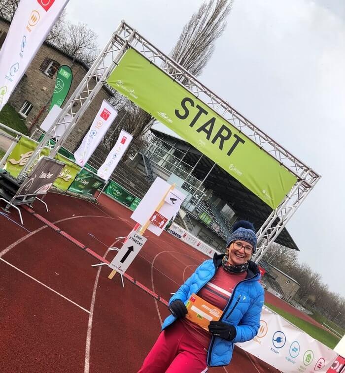 Marion Schneller mit ihrer Startnummer