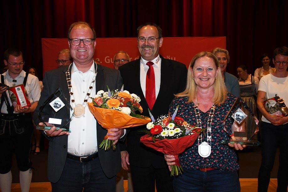 Hartmut Richter mit den neuen Deutschen Sparkassen-Schützenkönigen