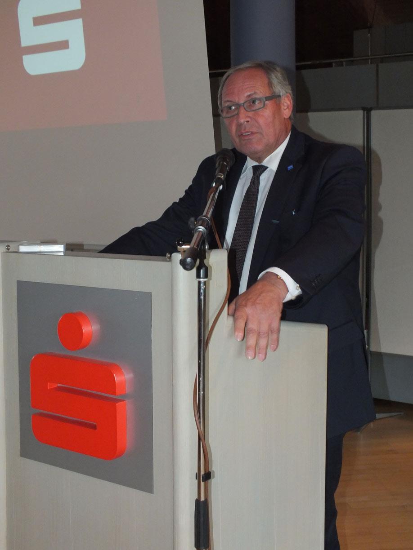 Anton Klotz, Landrat des Oberallgäus, würdigt in Sonthofen das ehrenamtliche Wirken der Gäste