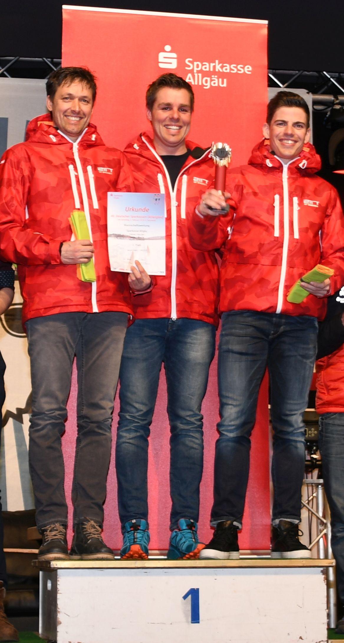 Platz 1 für die Herrenmannschaft der Sparkasse Allgäu: Martin Berktold, Stefan Köberle und Fabian Häusler (v.l.)