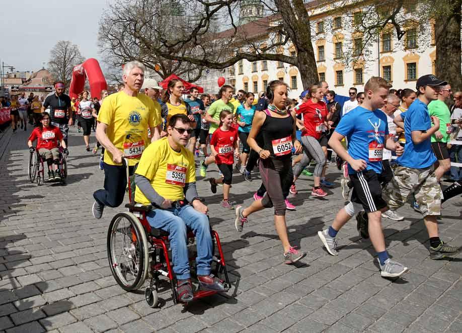 """""""Lions meets Rollies"""" vereint Laufbegeisterte und Menschen mit Behinderung"""