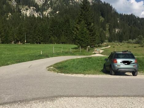 Der Parkplatz in Grän