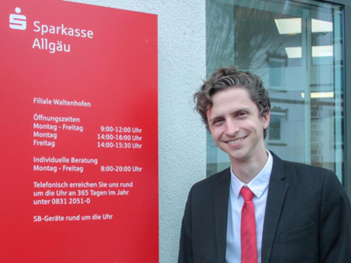 Julian Sichler hat die Leitung der Sparkassen-Filiale in Waltenhofen übernommen
